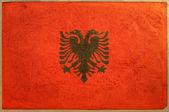 Yaşlı kağıt dokusu arnavutluk bayrağı — Stok fotoğraf