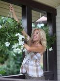 Kobieta ogrodnik — Zdjęcie stockowe