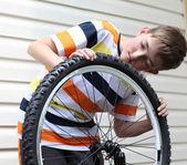 自転車の修理 — ストック写真