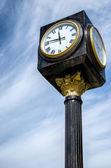 Vintege klocka på gatan — Stockfoto