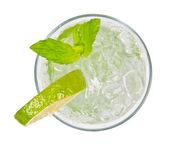 Mojito trinken — Stockfoto