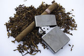Cigar, tabacco and zippo — Stock Photo