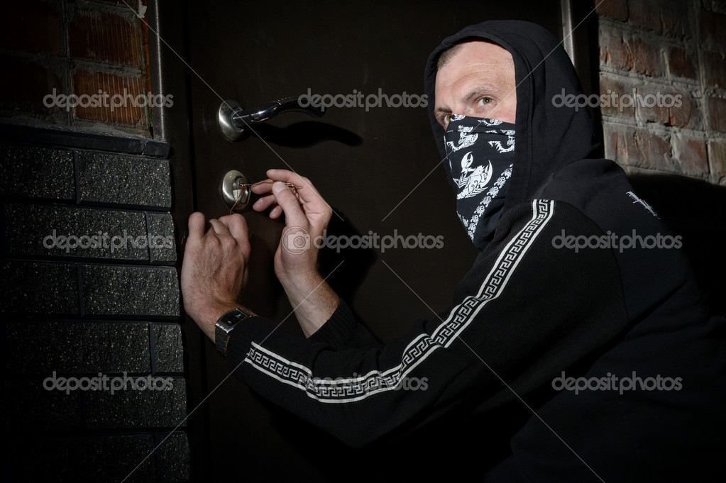 Man been caught at the crime scene — Stock Photo #11556352