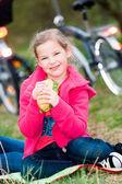 Chica comiendo — Foto de Stock