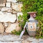 Vase and trowel — Stock Photo