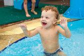 Little boy in the pool — 图库照片