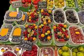 水果市场 (拉邦奇利亚、 巴塞罗那著名市场) — 图库照片