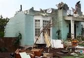 Maison endommagé par des catastrophes — Photo
