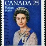 CANADA - CIRCA 1977: A stamp printed in Canada shows queen Elizabeth II, Silver Jubilee, circa 1977 — Stock Photo #11755518