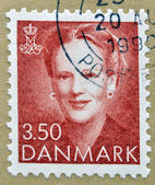 DENMARK - CIRCA 1990: A Stamp printed in Denmark shows the portrait of Queen Margrethe II, circa 1990 — Foto Stock