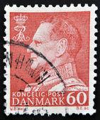 Dinamarca - circa 1969: um selo impresso na Dinamarca mostra imagem do rei Frederico ix, por volta de 1969 — Fotografia Stock