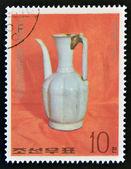 NORTH KOREA - CIRCA 1977: A stamp printed in DPR Korea shows Chinese porcelain jar, circa 1977 — Foto de Stock