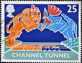 UNITED KINGDOM - CIRCA 1994: A stamp printed in Great Britain shows British Lion and French Cokerel over Tunnel, circa 1994 — Stock fotografie