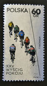 POLAND - CIRCA 1972: A stamp printed in Poland shows cycling, circa 1972 — Foto de Stock