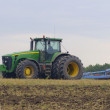 Plowing in field — Stock Photo