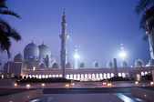 Sheikh Zayed mosque in united arab emirates — Stock Photo