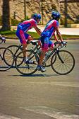 Simplemente los ciclistas — Foto de Stock