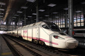 Spanish highspeed train AVE (Alta Velocidad Espanola) in the station of Cadiz, Spain — Stock Photo