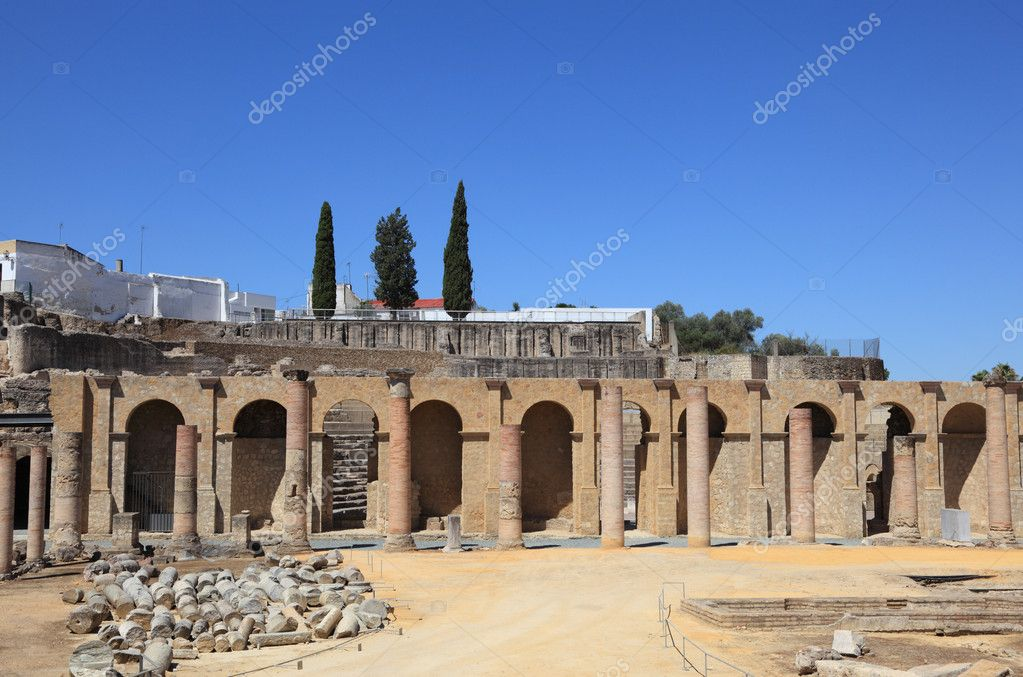 Roman Amphitheater ruins Italica, Province Seville, Spain — Stock Photo #11770497