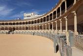 äldsta tjurfäktningsarena (plaza de toros) i spanien i ronda, andalusien — Stockfoto