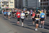 Runners in city street during the Frankfurt Marathon 2010 in Germany — Stock Photo