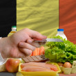 Buying groceries with credit card in belgium — Stock Photo