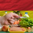 Buying groceries with credit card in bolivia — Stock Photo