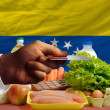 Buying groceries with credit card in venezuela — Stock Photo