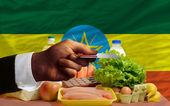 Buying groceries with credit card in ethiopia — Stock Photo