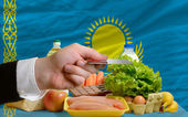 Buying groceries with credit card in kazakhstan — Stock Photo