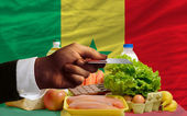 Buying groceries with credit card in senegal — Stock Photo