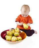 Bebé con manzanas — Foto de Stock