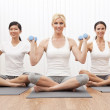 Interracial Yoga Group of Three Women Weight Training — Stock Photo