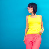 Menina da moda de verão — Fotografia Stock
