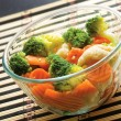 Bowl of vegetarian salad with broccoli — Stock Photo