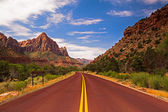 On the road in Zion — Stock Photo