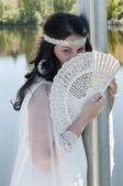 作为一位新娘穿的女人 — 图库照片