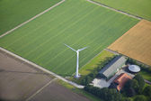Bauernhof Landschaft mit Windmühle von oben, Niederlande — Stockfoto
