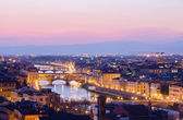 Beautiful sunset over the river Arno in Florence, Italy, — Stock Photo