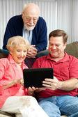 Tablet PC - Teaching Senior Parents — Stock fotografie