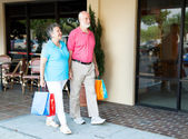 Seniors at Shopping Center — Stock Photo