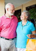 Senior Shoppers In Love — Stock Photo