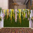 Flowers backdrop decorate for wedding ceremony — Stock fotografie