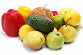 Frutas isoladas em um fundo branco. — Foto Stock