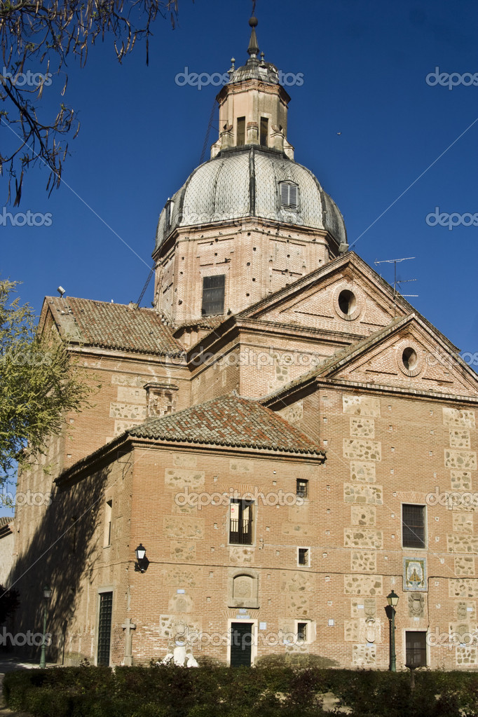 The Basilica of Our Lady of Prado in Talavera de la Reina, Toledo, Spain, is a temple of worship in the Roman Catholic Marian devotion of the Virgin del Prado, the city's patron. Their protection is a Cultural — Stock Photo #11448292