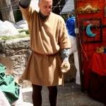 Cider escanciador, Medieval Market Oropesa, Toledo — Stock Photo #11493360
