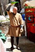Cider escanciador, Medieval Market Oropesa, Toledo — Stock Photo
