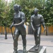 Statue tribute to the walkers Valvanerada, Logroño, La Rioja — Stock Photo