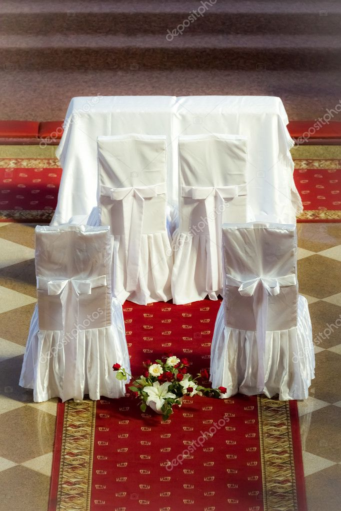 Altar before the wedding ceremony — Stock Photo #11168258