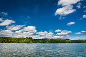Beautiful view of the lake in summer — Stock Photo